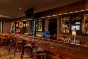 Saló o bar de Kandy City Hotel by Earl's