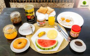 Breakfast options available to guests at Makofi Guest House
