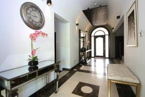 The lobby or reception area at Orange Lake Villa- Jumairah Golf Estate