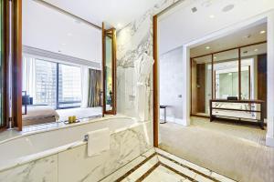 Ванная комната в Sky Hermitage