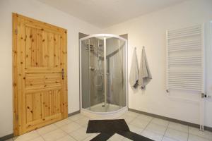 Ein Badezimmer in der Unterkunft Ferienwohnung Harzurlaub-Schierke