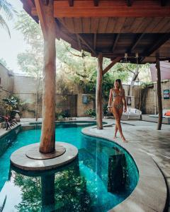 The swimming pool at or close to Gili Treehouses