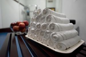 The fitness center and/or fitness facilities at Mourouj Hotel Apartments by Mourouj Gloria