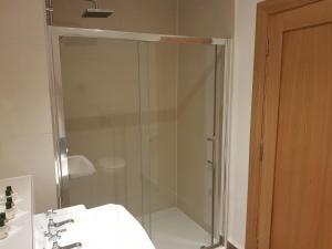 A bathroom at Padraicins B&B