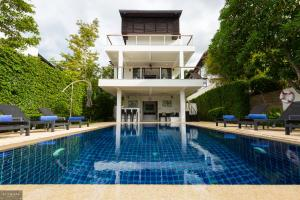The swimming pool at or near 3 Bedroom Luxury 5 Star Seaview Villa Esprit