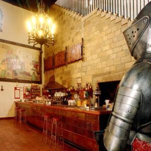 A kitchen or kitchenette at Hotel Temple Pradorrey