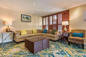 A seating area at Quality Inn & Suites