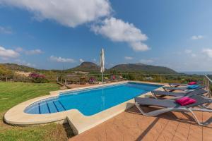 Der Swimmingpool an oder in der Nähe von Villa Mar i Cel
