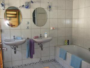 Ein Badezimmer in der Unterkunft Ferienhaus Habitat Wonnegau