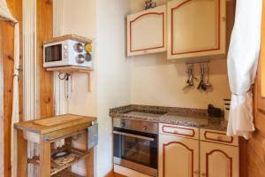 A kitchen or kitchenette at Quinta da Marouba