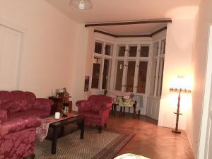 Ein Sitzbereich in der Unterkunft Apt Bell26 - 3 mins from charles bridge/Prague castle
