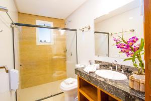 A bathroom at Vila Miola Hotel