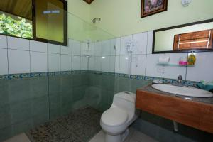 A bathroom at Hotel Sunshine Caribe