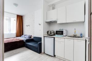A kitchen or kitchenette at Apart-studio Skolkovskaya, 3А