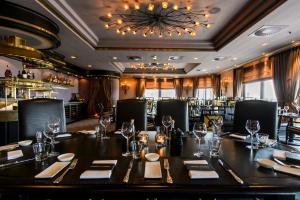 Restaurant ou autre lieu de restauration dans l'établissement The Historic Huis ter Duin