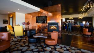 The lounge or bar area at Fairmont Resort & Spa Blue Mountains MGallery by Sofitel