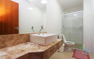 A bathroom at Residencial Bela Morada