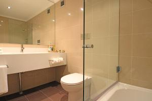 A bathroom at Fairmont Resort & Spa Blue Mountains MGallery by Sofitel