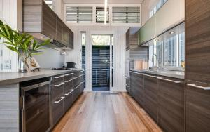 A kitchen or kitchenette at Noosa Residences