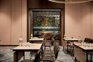 Een restaurant of ander eetgelegenheid bij Van der Valk Hotel Haarlem