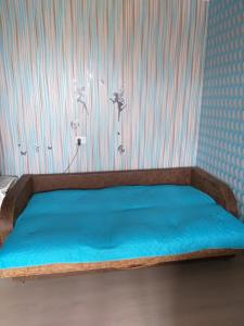 A bed or beds in a room at Apartment Inzhenernaya 62A