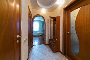 A bathroom at Dobrye Sutki na Yubileynoy 7
