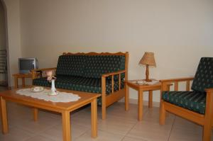 A seating area at Nicos & Olympia Apartments
