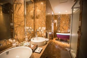 Un baño de Aranwa Cusco Boutique Hotel