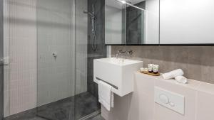 A bathroom at Avani Melbourne Central Residences