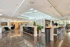The lobby or reception area at Austria Trend Hotel Congress Innsbruck