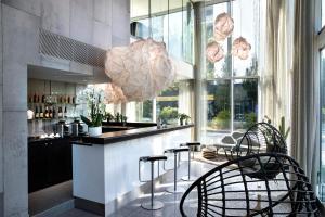 Salon ou bar de l'établissement Best Western Plus Hôtel Isidore