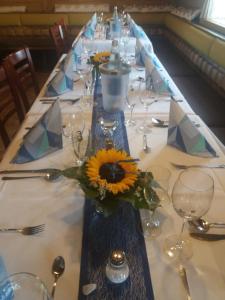 Ein Restaurant oder anderes Speiselokal in der Unterkunft Hotel-Restaurant Johanneshof