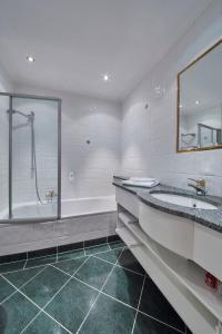 Ein Badezimmer in der Unterkunft Hotel Die Pflegerbrücke