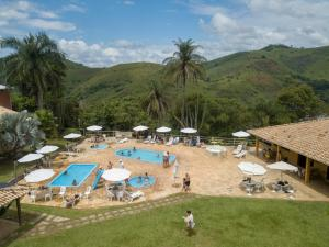 A view of the pool at Hotel Fazenda Morro Grande or nearby