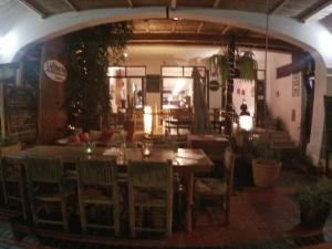 A restaurant or other place to eat at Bamboo Lodge Paracas
