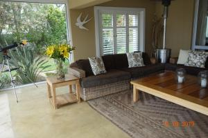 A seating area at Twin Rivers Villa
