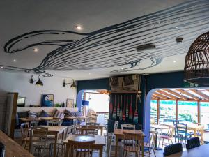 A restaurant or other place to eat at YHA Broad Haven