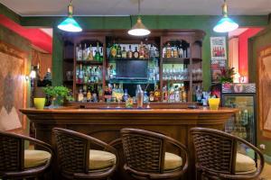 El salón o zona de bar de Hotel Casa Turire