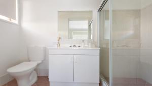 A bathroom at 28 Kentia