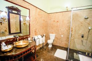 A bathroom at The Grand Imperial - Heritage Hotel