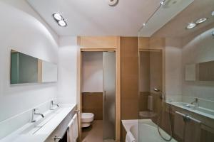 A bathroom at Hotel Actual
