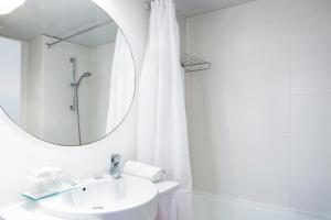A bathroom at Ciutat Vella