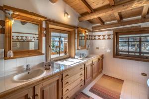 Koupelna v ubytování Baita Luleta