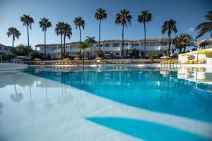 Bazén v ubytování Fuentepark Apartamentos nebo v jeho okolí
