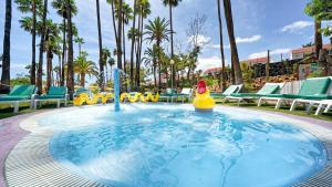 Het zwembad bij of vlak bij BULL Eugenia Victoria & SPA