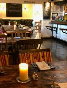 A restaurant or other place to eat at The Strawbury Duck Inn