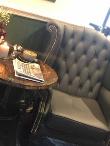 A seating area at The Strawbury Duck Inn