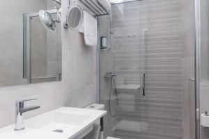 A bathroom at Hotel Hito