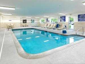 The swimming pool at or near Crystal Inn Hotel & Suites - Salt Lake City/West Valley City