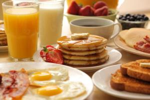 Breakfast options available to guests at The Westin New Orleans